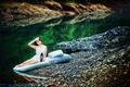 Картинка девушка, река, утро