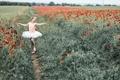 Картинка поле, маки, танец, девочка