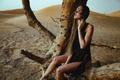 Картинка дерево, девушка, страсть, пустыня, Chromatropic, модель