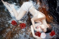 Картинка цветы, вода, девушка