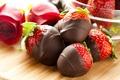 Картинка ягоды, шоколад, розы, клубника, красные, десерт