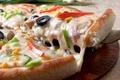 Картинка оливки, перец, сыр, кукуруза, пицца