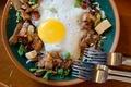 Картинка крутоны, гренки, сухарики, вилки, яичница, бекон, завтрак, яйцо