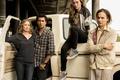 Картинка актеры, Сериал, машина, Бойтесь ходячих мертвецов, Fear the Walking Dead, Фильмы