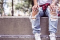 Картинка лето, ножки, джинсы, девушка