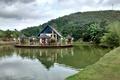 Картинка озеро, небо, горы, остров, деревья, пруд, кафе