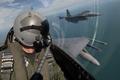 Картинка кабина, шлем, военный, обои, пилот, лётчик, небо, авиация, самолёт, облака