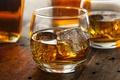 Картинка лед, кубики, бокал, ice, напиток, виски, drink, alcohol