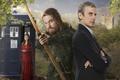 Картинка мужчины, взгляд, держит, TARDIS, Robin Hood, Робин Гуд, листья, Дженна Коулман, Jenna Coleman, Двенадцатый Доктор, ...