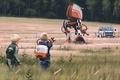 Картинка дети, арт, Саймон Стэленхаг, фургон, управление, фантастика, техника, поле, приборы, Simon Stålenhag, художник, полиция, трава, ...