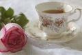 Картинка бутон, чай, чашка, цветок, роза, блюдце, натюрморт, лепестки