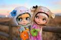 Картинка девочки, куклы, игрушки, шапки, природа