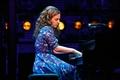 Картинка шоу, Beautiful The Carole King Musical, пианистка, актриса, певица, Jessica Mueller, Бродвей