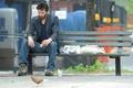 Картинка Киану ривз, скамейка, печаль, ботинки