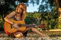 Картинка девушка, свет, музыка, гитара