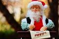 Картинка письмо, природа, стол, фон, перо, праздник, игрушка, новый год, рождество, кукла, очки, борода, санта клаус, ...
