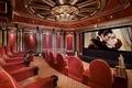 Картинка интерьер, кресла, кинотеатр, экран, домашний, люстра.
